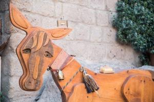 acqua di civita latte d'Asina Creme Nini Folie legnoso agrumi legno scultura Civita di Bagnoregio