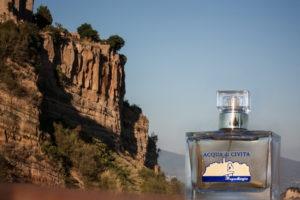 Acqua di Civita profumi Folie  note del tempo aromatico agrumi legno Valle Calanchi  Civita di Bagnoregio Foto di Civita  Asina Latte d'asina Linea cosmetica