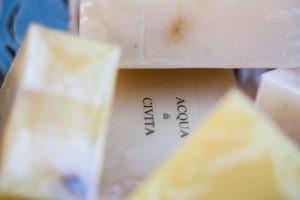 acqua di civita saponi bio latte d'asina natura Civita di Bagnoregio